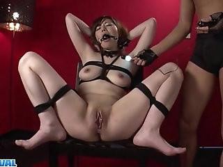 Reika Ichinose enjoys having sex in rough bondage show