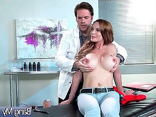 Doctor Seduced And Hard Bang A Horny hot Patient Diamond Foxxx video