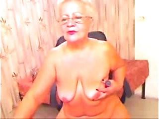 Stolen video of my old mum having fun on web cam. Great !